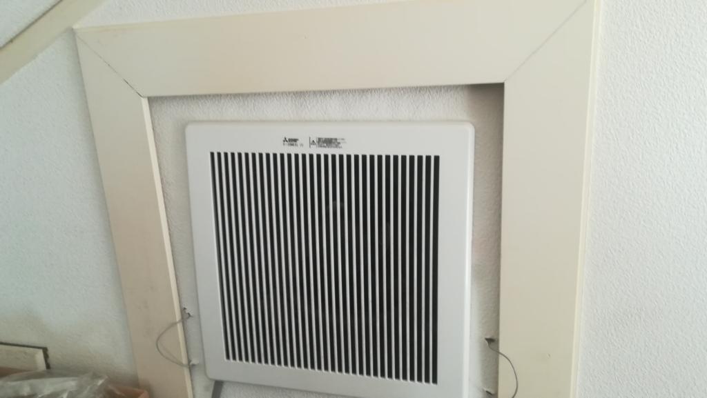 三菱排熱ファンを小屋裏に設置した図