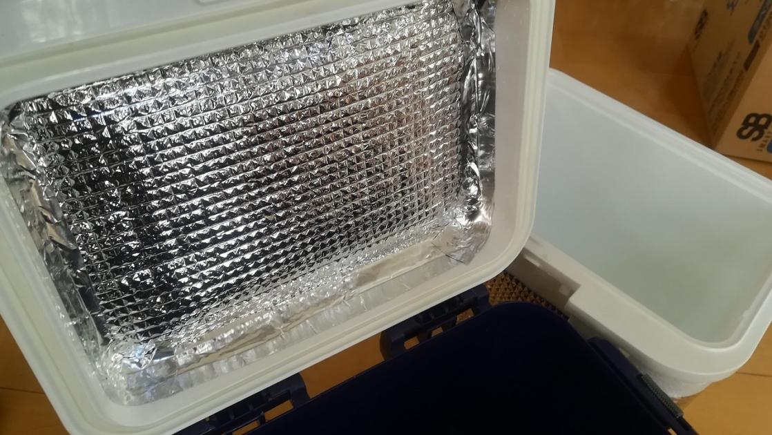 断熱シートをクーラーボックスに追加DIY